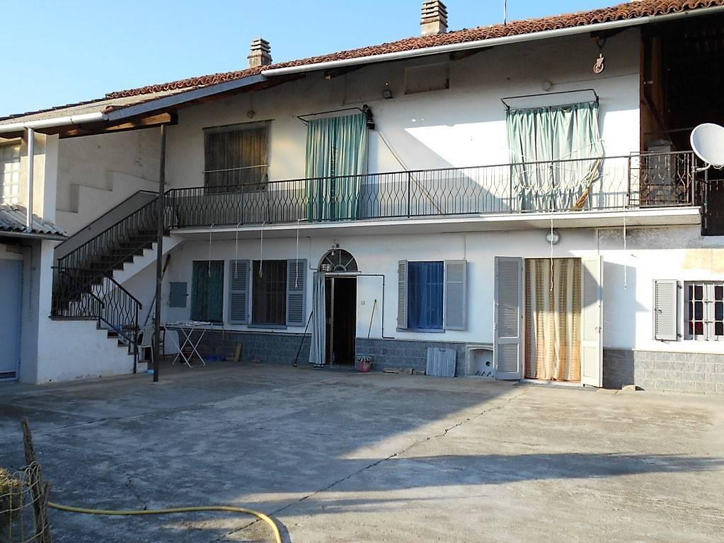 Rustico / Casale in vendita a Borgo d'Ale, 6 locali, prezzo € 85.000 | PortaleAgenzieImmobiliari.it