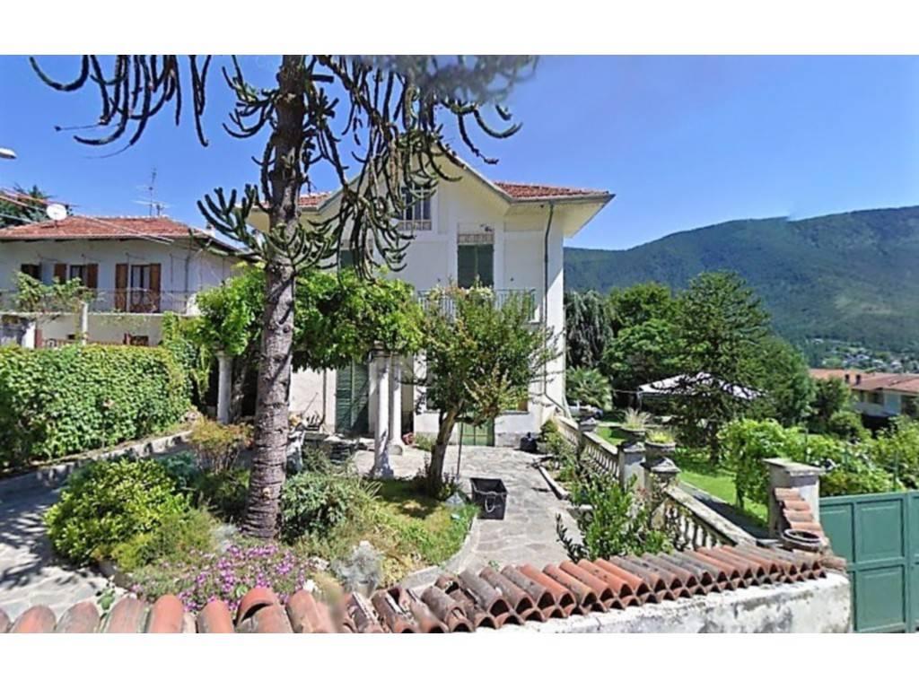 Villa in vendita a Rubiana, 12 locali, prezzo € 200.000 | PortaleAgenzieImmobiliari.it