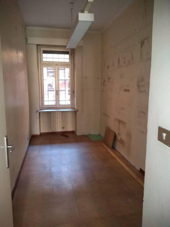 Ufficio / Studio in affitto a Torino, 5 locali, prezzo € 1.500 | CambioCasa.it