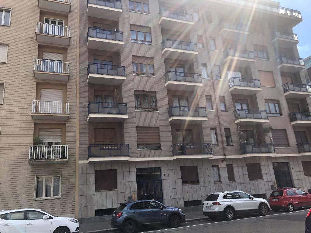 Foto 1 di Bilocale via Arnaldo da Brescia 65, Torino (zona Lingotto)