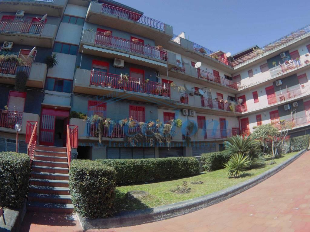 Appartamento in Vendita a Aci Catena Centro: 4 locali, 100 mq
