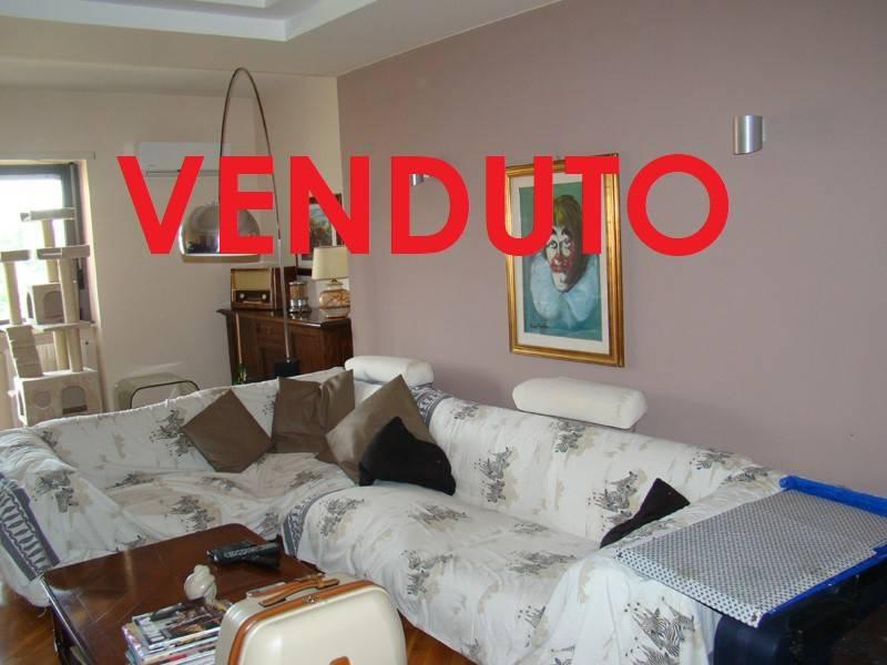 Appartamento in ottime condizioni in vendita Rif. 8774630