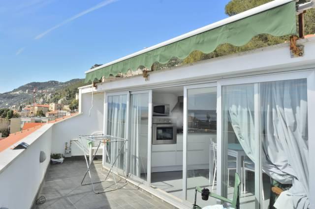 Appartamento in ottime condizioni arredato in affitto Rif. 5551709