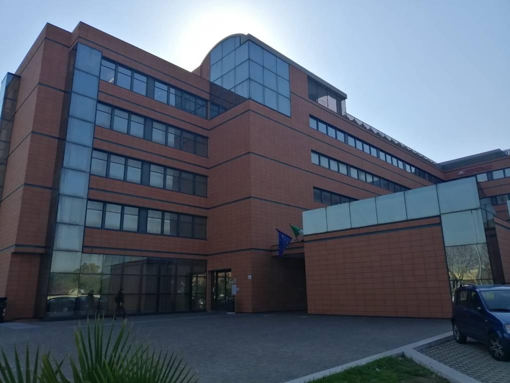 Ufficio-studio in Affitto a Lecce Centro: 3 locali, 300 mq