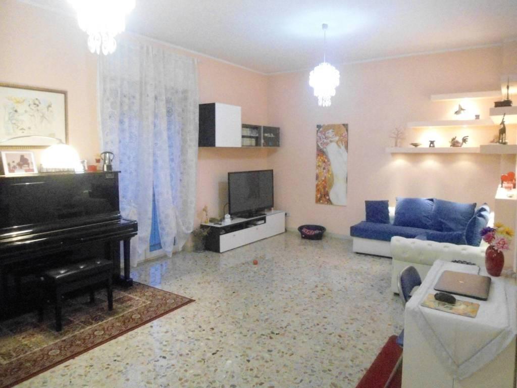 Foto 1 di Trilocale via San Donato 150, Bologna (zona San Donato, Fiera)