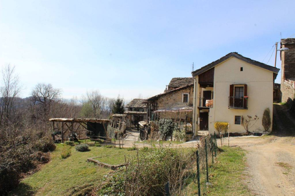 Foto 1 di Casa indipendente Località Cantello 22, frazione Cantello, Castelnuovo Nigra