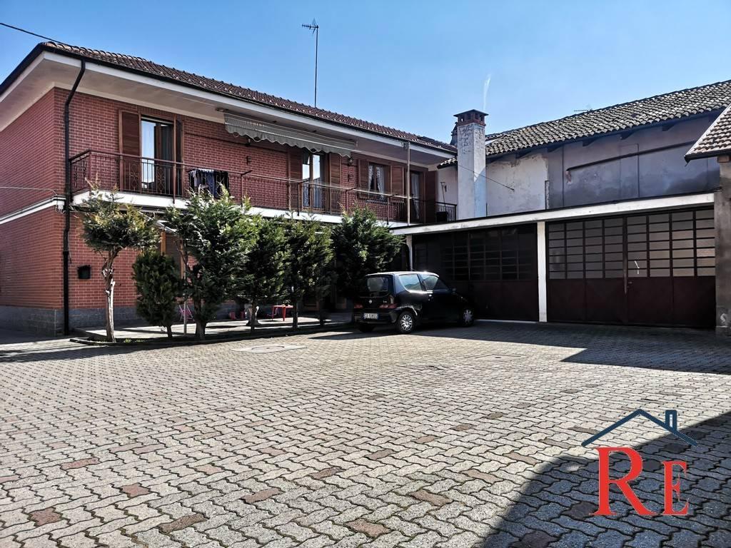Foto 1 di Palazzo / Stabile via Torino 49, Casalgrasso