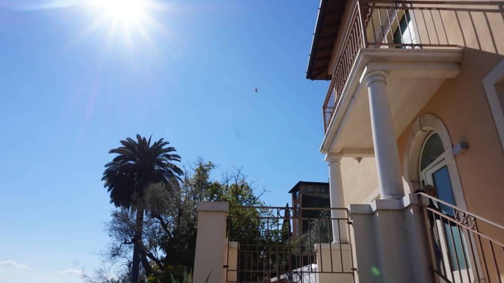 Appartamento in vendita a Gargnano, 3 locali, prezzo € 620.000   PortaleAgenzieImmobiliari.it
