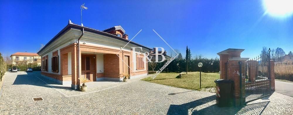 Foto 1 di Villa strada Ragazzi del '99, Asti