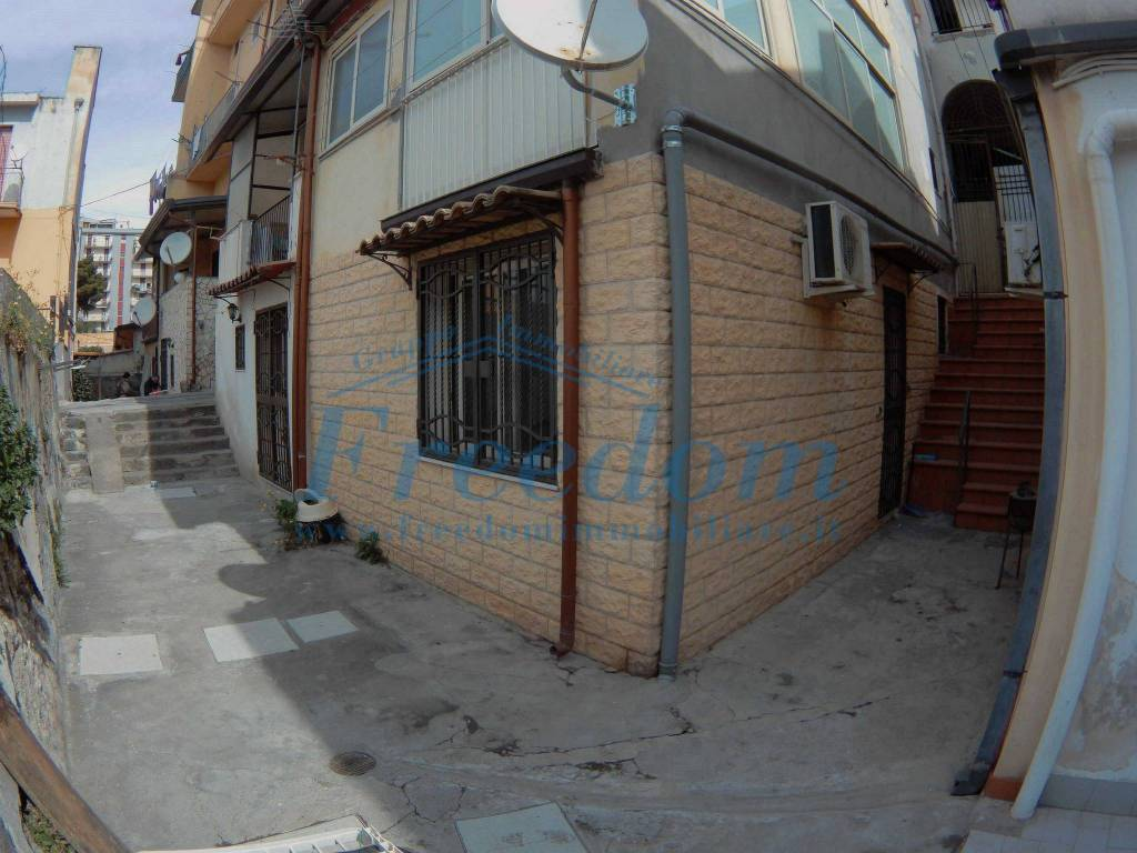 Appartamento in Vendita a Catania Centro:  2 locali, 30 mq  - Foto 1
