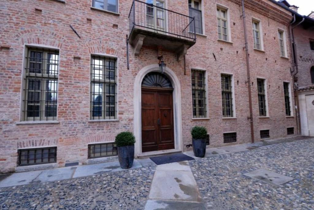Appartamento in ottime condizioni in vendita Rif. 8974577