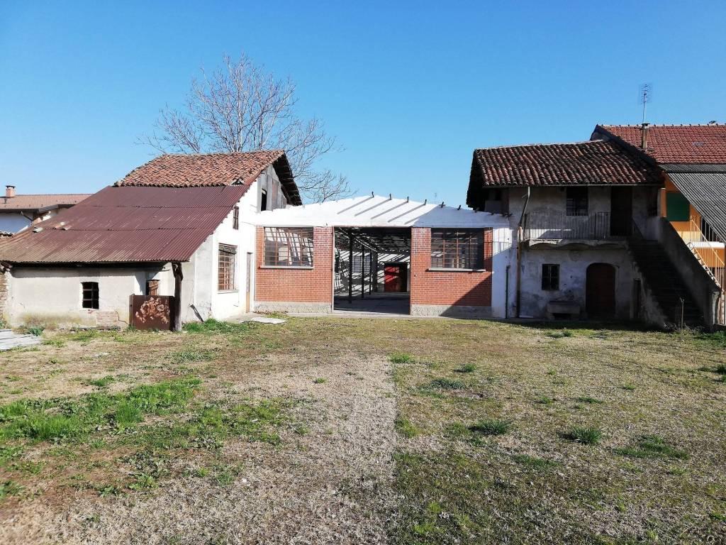 Foto 1 di Rustico / Casale via Trento 28, Castagnole Piemonte