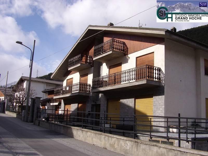 Foto 1 di Bilocale viale Grand'Hoche 15, Oulx