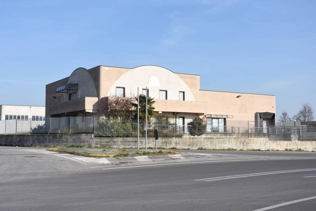 Laboratorio in vendita a Acquanegra sul Chiese, 6 locali, prezzo € 150.000 | PortaleAgenzieImmobiliari.it