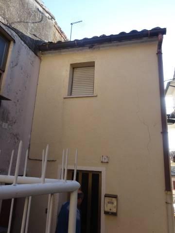 Appartamento da ristrutturare in vendita Rif. 4584421