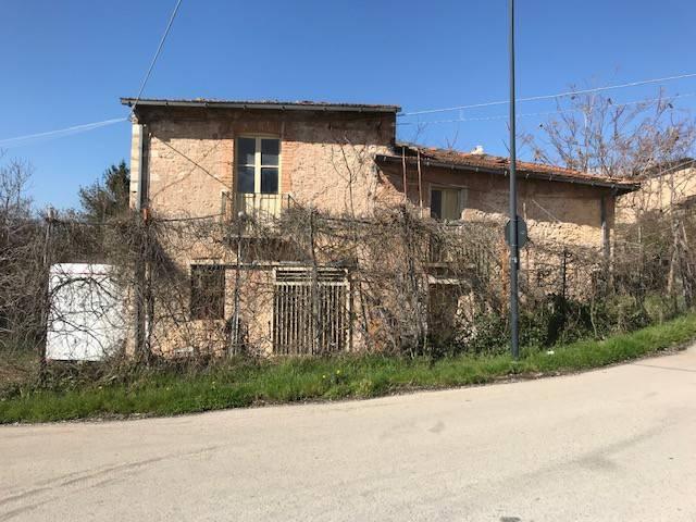 Rustico / Casale in vendita a Avezzano, 3 locali, prezzo € 35.000 | PortaleAgenzieImmobiliari.it