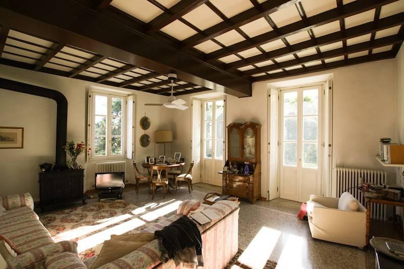 Appartamento in buone condizioni arredato in vendita Rif. 4600725