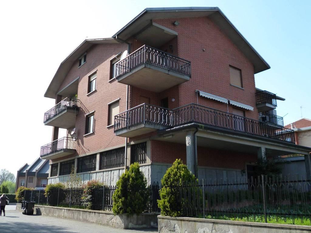 Foto 1 di Bilocale strada Villastellone 39, Moncalieri
