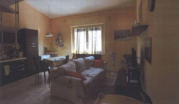 Appartamento in buone condizioni in vendita Rif. 8805274