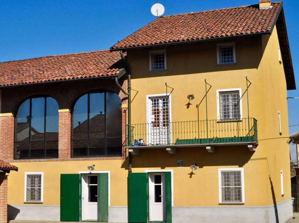 Foto 1 di Rustico / Casale via Filippo Cavaglià 46, Santena