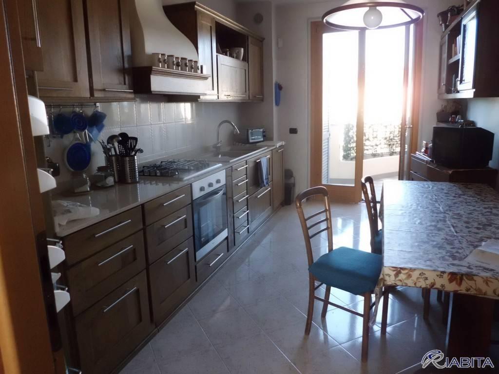 Appartamento in Affitto a Rottofreno Centro: 3 locali, 110 mq