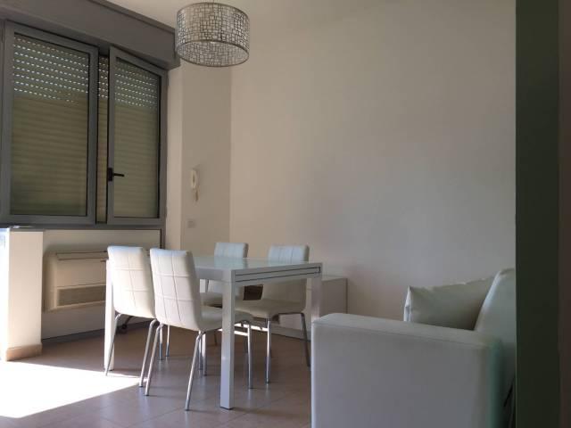 Appartamento in ottime condizioni arredato in affitto Rif. 4528053
