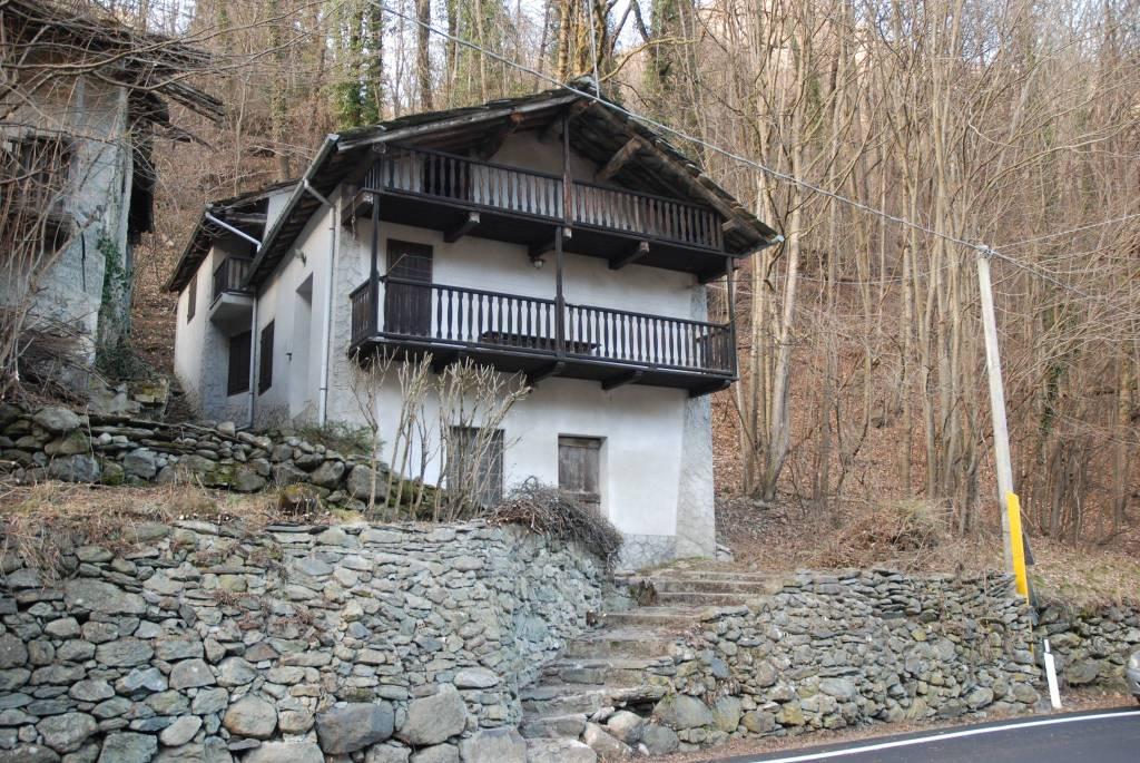 Foto 1 di Rustico / Casale strada Provinciale della Valle di Viù, frazione Trichera, Viù