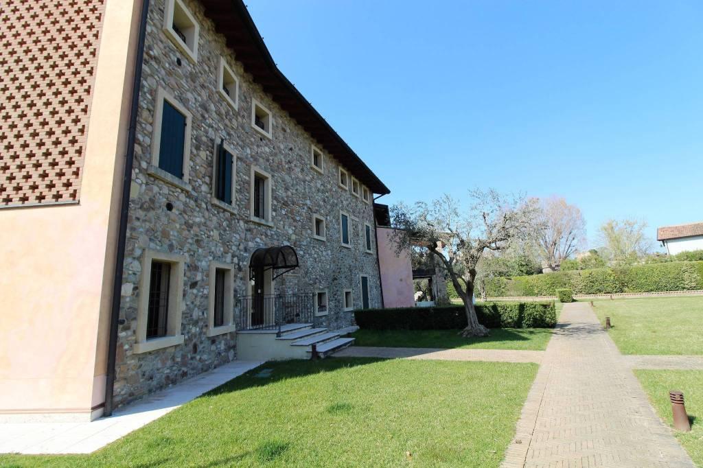 Appartamento in vendita a Valeggio sul Mincio, 3 locali, prezzo € 198.000   CambioCasa.it