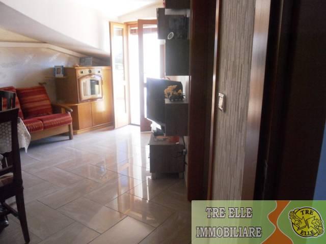 Appartamento in buone condizioni arredato in vendita Rif. 7139977