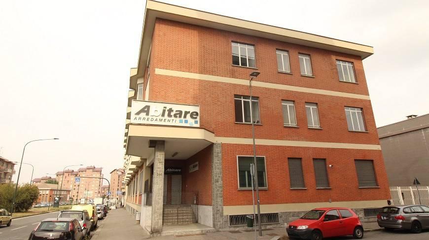 Foto 1 di Palazzo / Stabile via Andrea Sansovino, Torino (zona Lucento, Vallette)
