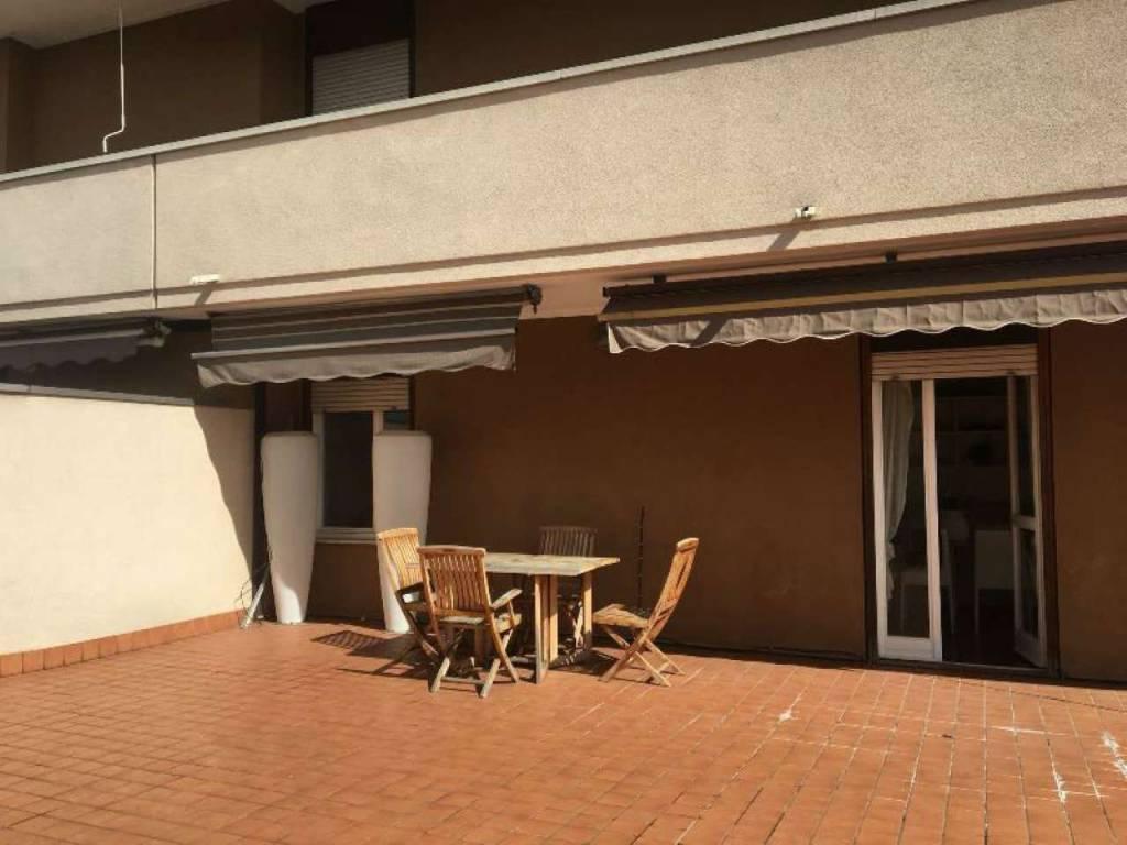 Appartamento in vendita a Somma Lombardo, 3 locali, prezzo € 219.000 | CambioCasa.it