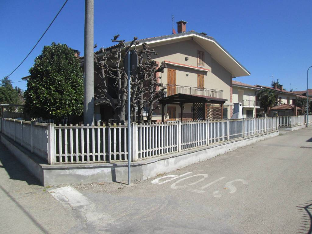 Foto 1 di Villa via Bernero 5/A, Polonghera