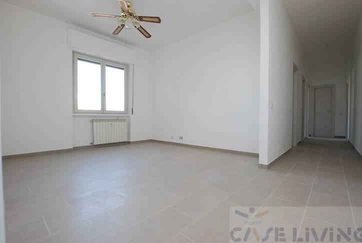 Appartamento da ristrutturare in vendita Rif. 7899625