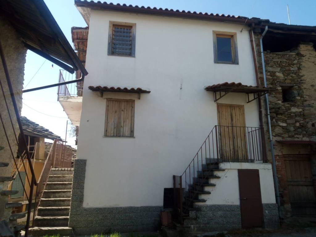 Foto 1 di Casa indipendente Località Giaudrone, Cuorgnè
