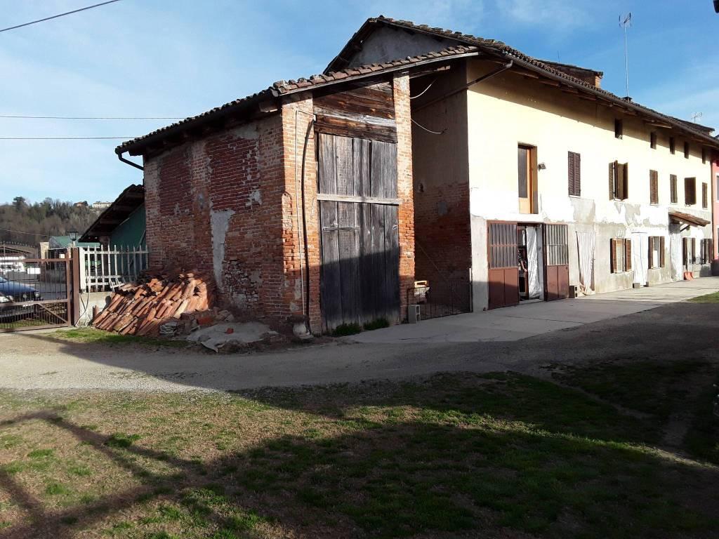 Foto 1 di Rustico / Casale strada Asti-Alba, Isola D'asti