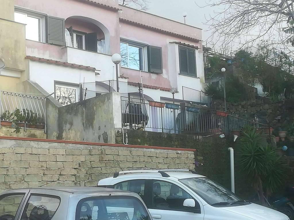 Villa in vendita a Ischia, 7 locali, prezzo € 450.000 | CambioCasa.it