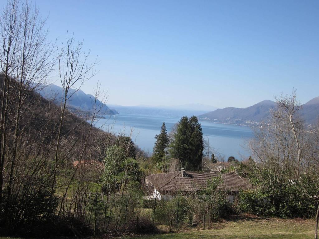 Villa in vendita a Luino, 15 locali, prezzo € 700.000 | PortaleAgenzieImmobiliari.it