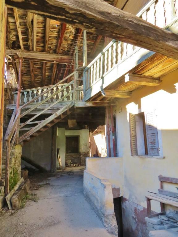 Foto 1 di Rustico / Casale strada del Villair, Morgex