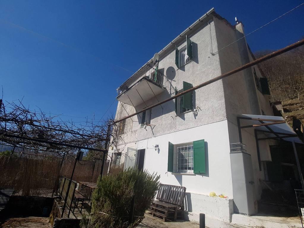 Foto 1 di Casa indipendente Località Castiglione Inferiore, frazione Castiglione, Montoggio