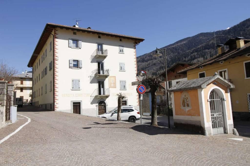 Appartamento in Vendita a Caderzone Centro:  5 locali, 135 mq  - Foto 1