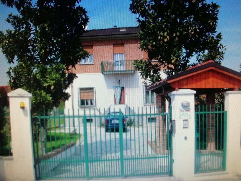 Foto 1 di Villa Cerro Tanaro