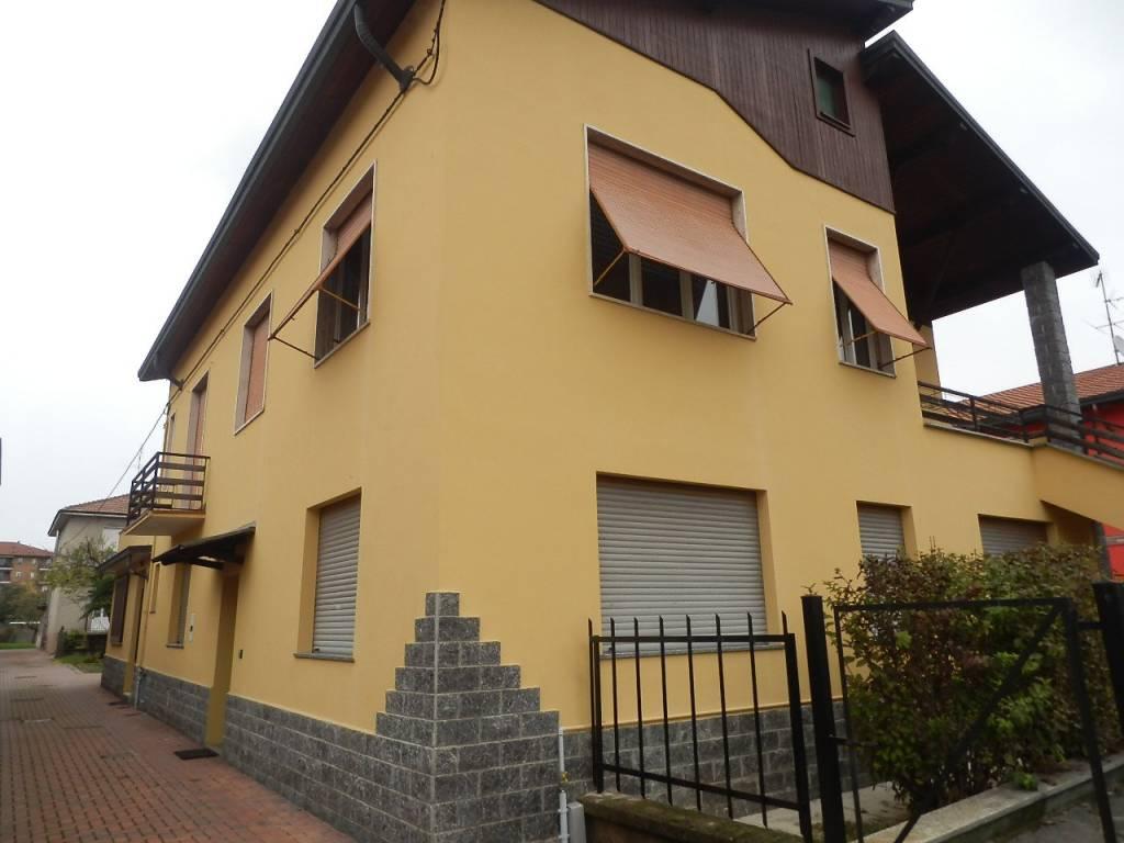 Appartamento in buone condizioni in vendita Rif. 8573177