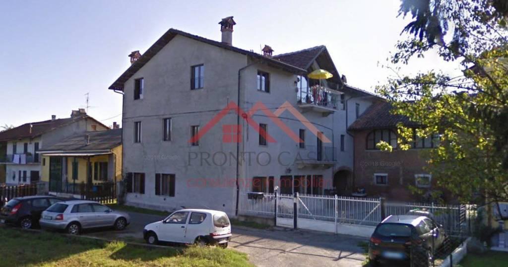 Appartamento in buone condizioni in vendita Rif. 8850937