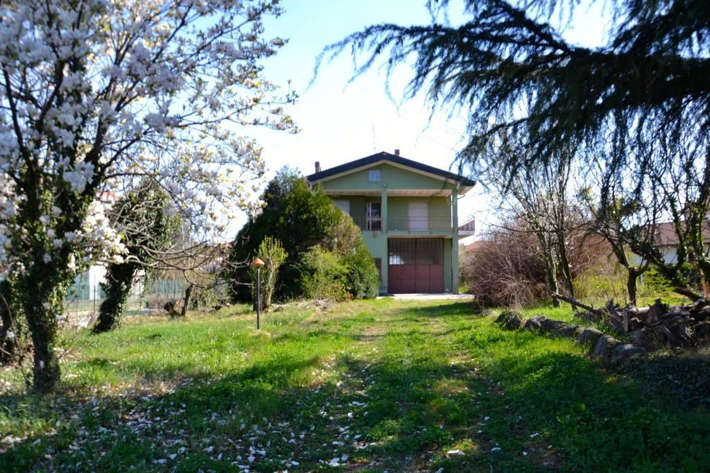 Casa Indipendente in buone condizioni in vendita Rif. 6463952
