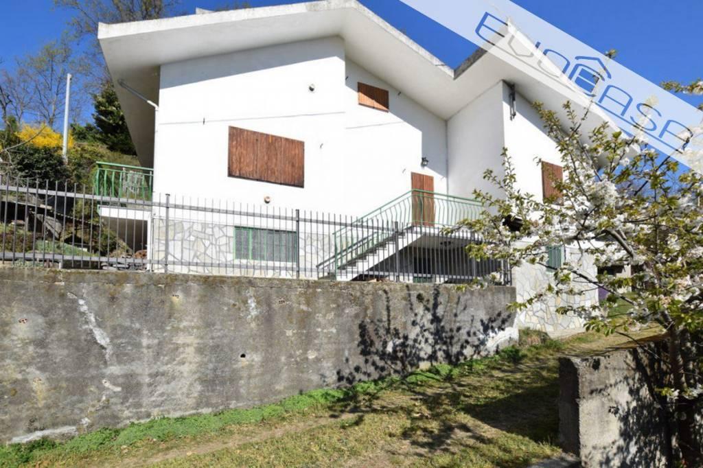 Villa in buone condizioni parzialmente arredato in vendita Rif. 7992416