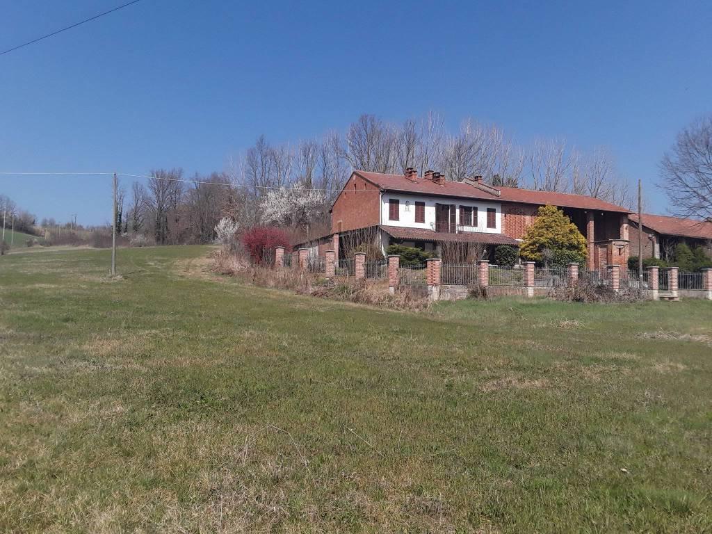 Rustico / Casale in vendita a Cantarana, 7 locali, prezzo € 175.000 | PortaleAgenzieImmobiliari.it