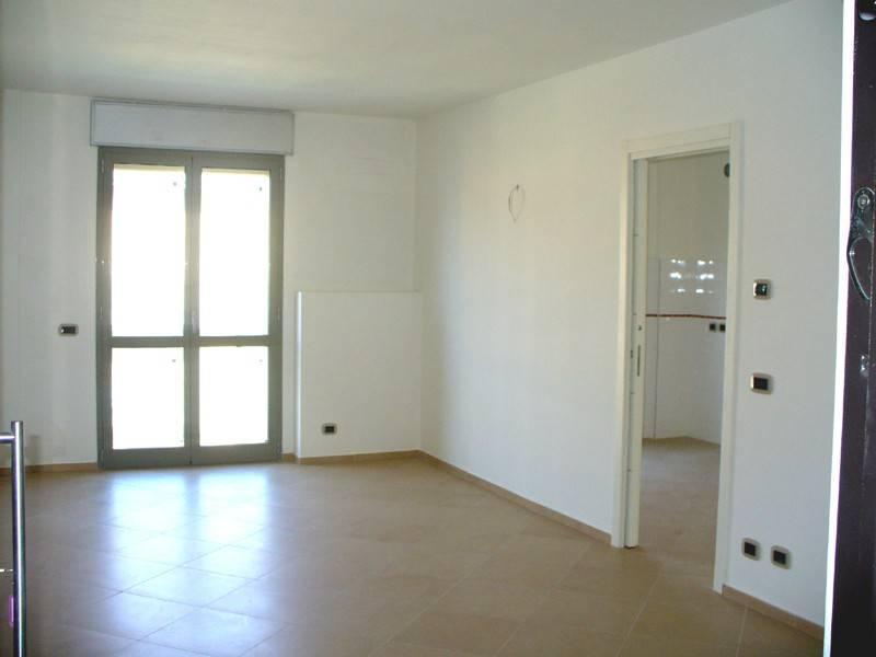 Appartamento in affitto a Alba, 5 locali, prezzo € 570 | CambioCasa.it