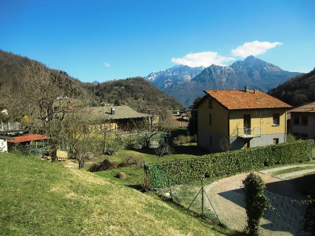 Villa in vendita a Valbrona, 5 locali, prezzo € 190.000 | PortaleAgenzieImmobiliari.it