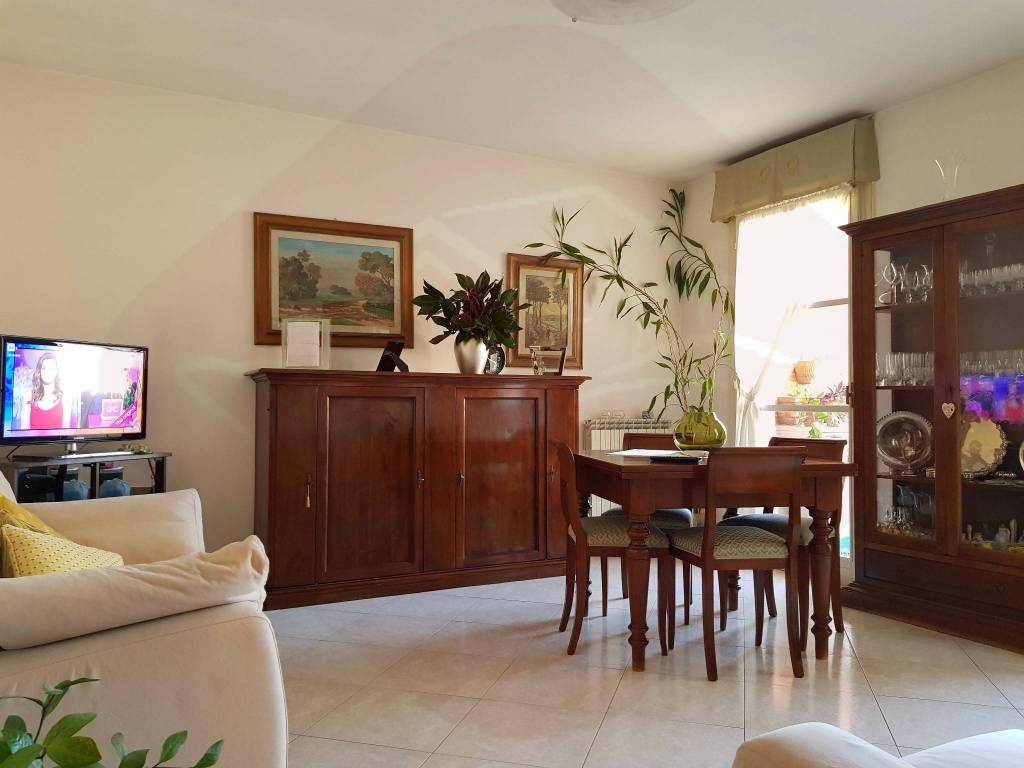 Foto 1 di Appartamento via Monferrato, Firenze (zona Cascine, Cintoia, Argingrosso, L'Isolotto)
