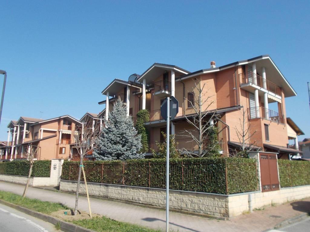 Foto 1 di Quadrilocale via San Francesco al Campo 60, Leinì